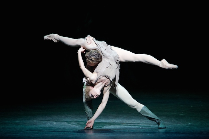 Melissa Hamilton and Matthew Golding in Manon