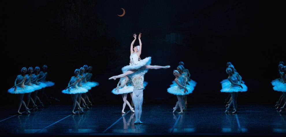 Boston Ballet reprises Mikko Nissinen's Swan Lake in 2016