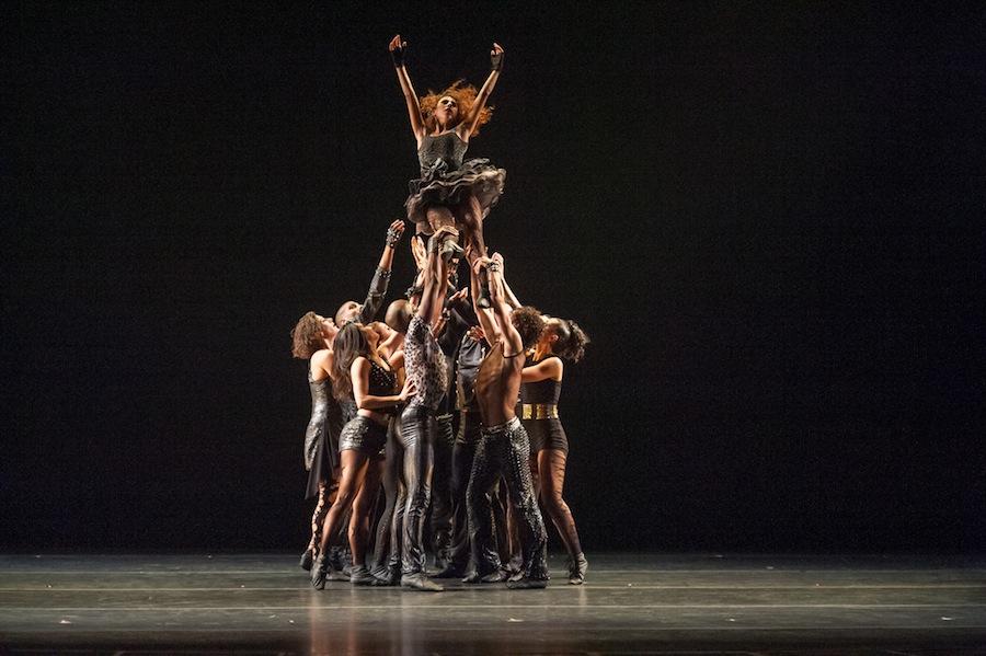 Ballet Hispanico in 'A vueltas con los ochenta'