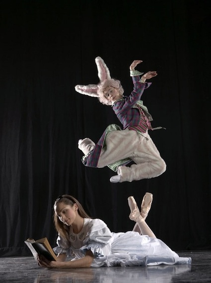 BalletMet in Alice in Wonderland