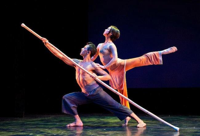 Modern dance ensemble Nai-Ni Chen Dance Company
