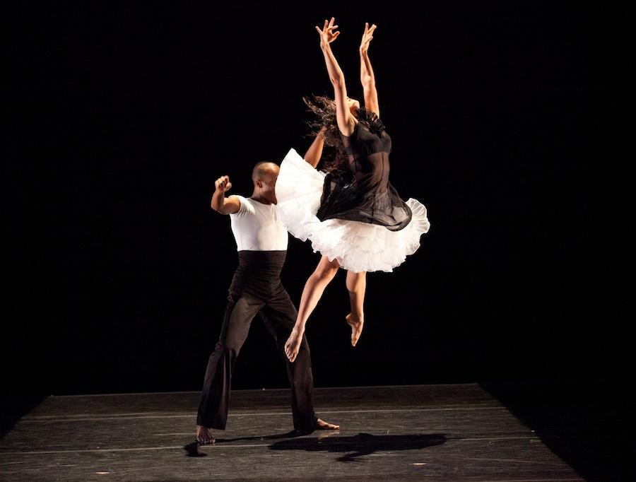 Ballet Hispanico in 'Nube Blanco'