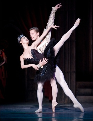 Oregon Ballet Theatre's 'Swan Lake'