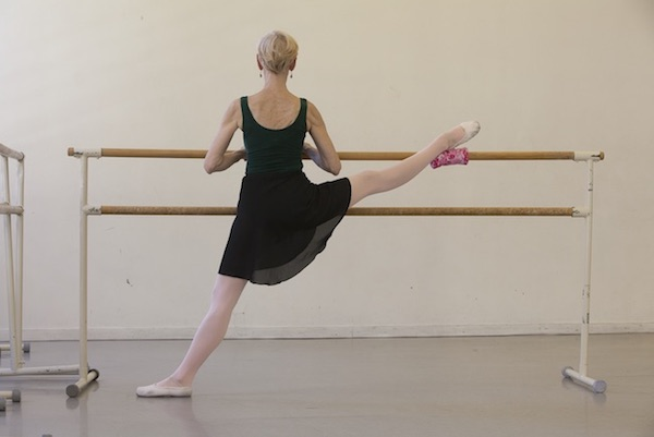 Tool for dancers stretching on the barre