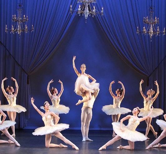 The Sarasota Ballet in Galina Samsova's production of Paquita. Photo by Frank Altura
