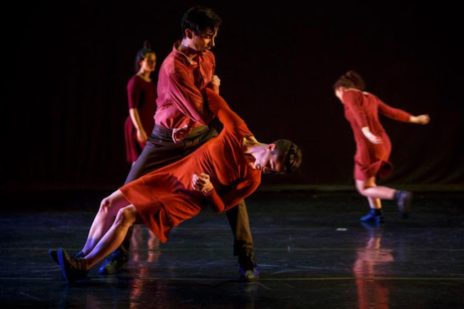 Hedwig Dances performs Jan Bartoszek's Four Strong Winds. Photo by Jaime Marin.