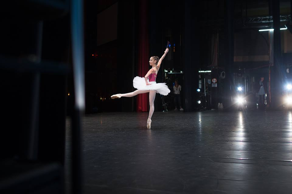 Dancer competing at the 2016 Prix de Lausanne. Photo by Gregory Batardon.